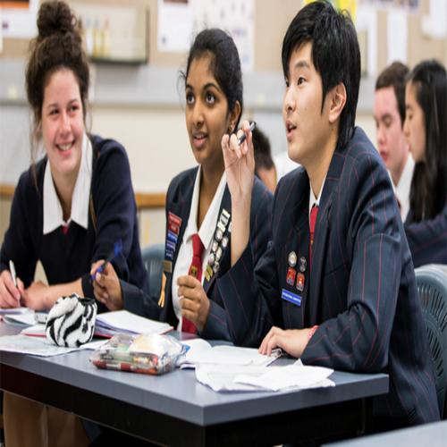 آموزش زبان فرانسوی در کاشانی (دفتر مرکزی گات)