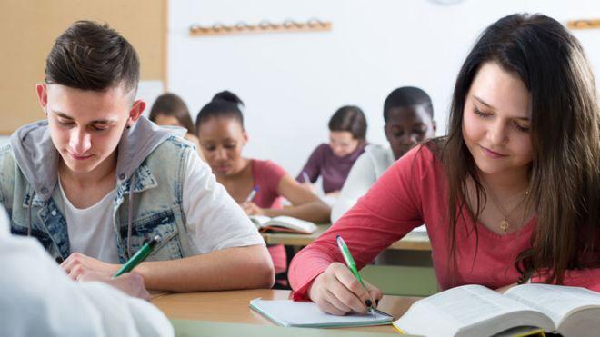 آموزشگاه زبان در مرزداران
