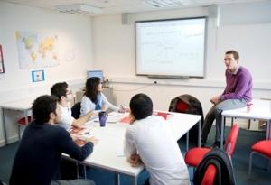 آموزشگاه زبان در اشرفی اصفهان