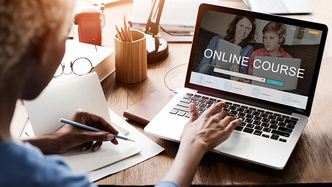 آموزش آنلاین زبان با اساتید حرفه ای